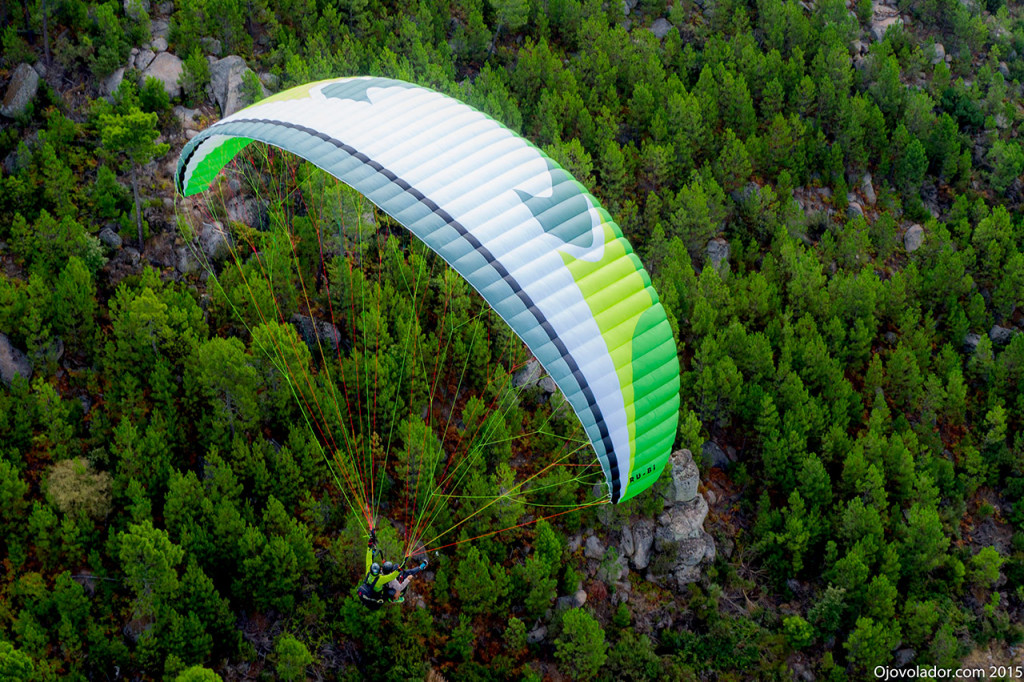 Planeando con el biplaza Windtech Ru-Bi