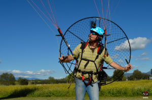 El paraotor Airfer Explorer ofrece un peso contenido y buenas sensaciones para el manejo en tierra.