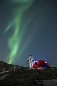 Horacio Llorens bajo aurora boreal. Foto: © Red Bull Media House