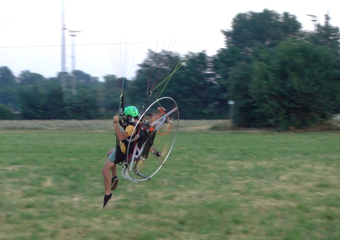 Revolt: Paramotor with 4 rotors wants to revolutionize