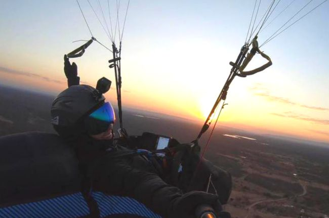 Marcella Uchoa, female paragliding world record of distance